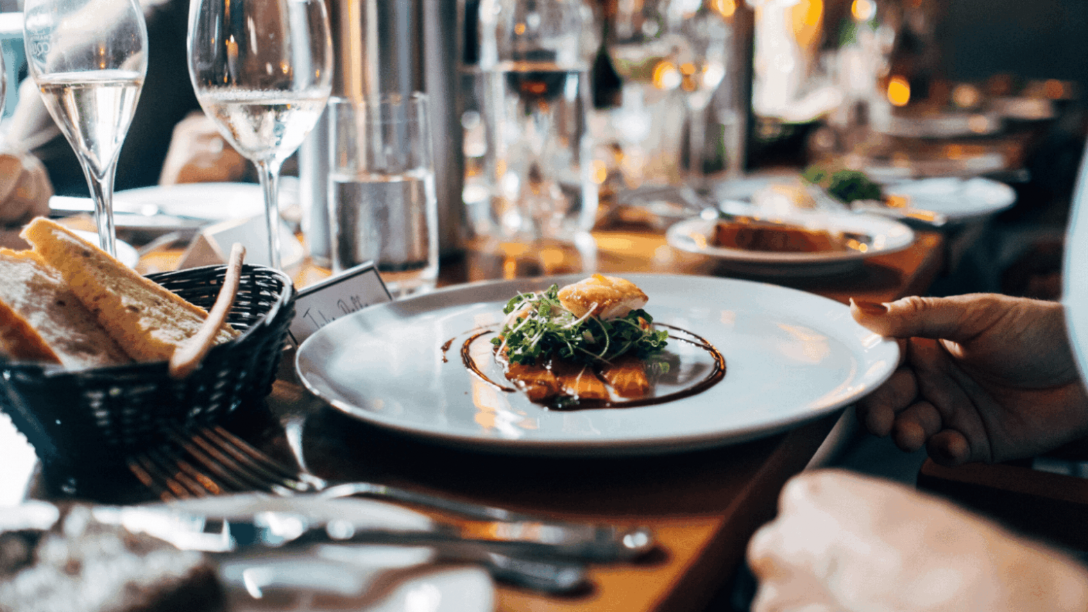 Understand How to Improve Restaurant Services