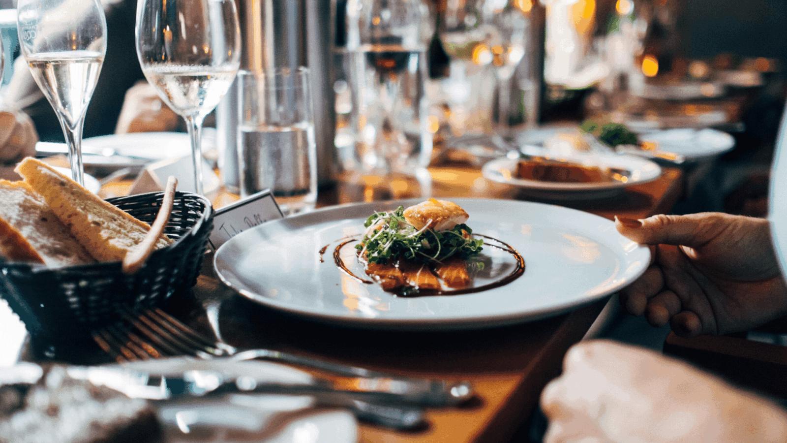 Understand How to Improve Restaurant Services